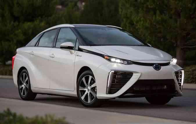 Toyota Mira é o primeiro FCV de produção global, lançado em 2014(foto: Toyota / Divulgação)