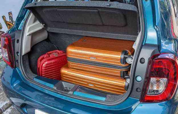 Porta-malas é amplo e acomoda bem as bagagens - Marcos Camargo/Nissan/Divulgação