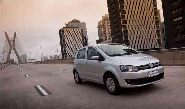 Na dianteira do hatch, a grade ganhou desenho mais aerodinâmico - Ricardio Hirae/Volkswagen/Divulgação