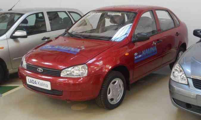 O sedã compacto Kalina deu origem a uma família de veículos, com direito a um hatch e uma perua(foto: Reprodução/Wikimedia.org)