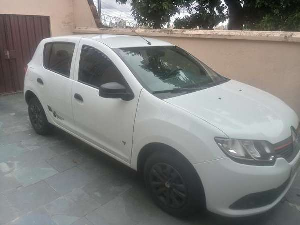 Renault Sandero Authentique Flex 1.0 12v 5p 2017 R$ 31.000,00 MG VRUM