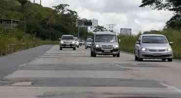 Carro quebrou na estrada? Saiba o que fazer - Foto: Leandro de Santana/ DP