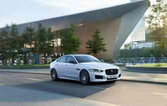 Para a linha 2019, Jaguar apresentou uma versão especial do XE. Foto: Jaguar / Divulgação
