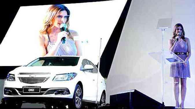 Fernanda Lima apresentou o Chevrolet Onix (foto: Salão do Automóvel/Divulgação)
