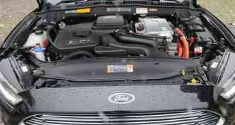Potência e torque dos dois motores dão bom desempenho ao sedã(foto: Paulo Filgueiras/EM/D.A Press)