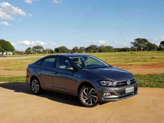 Volkswagen Virtus Motor: 1.0 de 128/116cv e 20,3kgfm de torque Dimensões (A x L x C): 1.472 x 1.751 x 4.482mm Lançamento: janeiro Preço: a partir de R$ 79.990