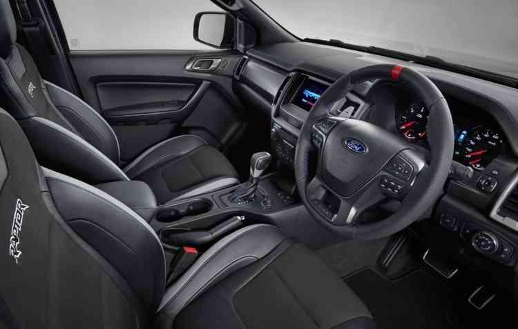 Controles no volante para facilitar o uso dos comandos - Ford/ Divulgação