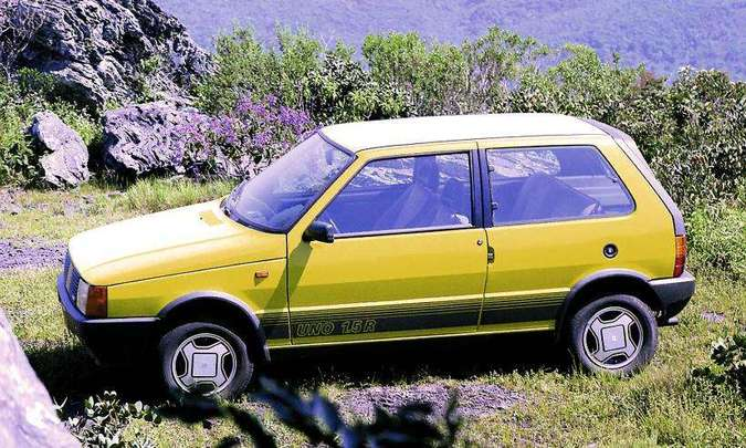 A versão esportiva 1.5R foi lançada em 1987(foto: Fiat/Divulgação)