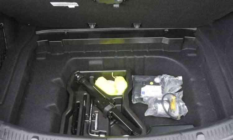 Mas há a opção do kit de reparos para o pneu que furar, que dispensa o estepe - Juarez Rodrigues/EM/D.A Press