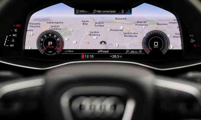 Audi Virtual Cockpit, com tela de 12,3 polegadas, permite alterar as configurações do painel de instrumentos(foto: Chris Castanho/Audi/Divulgação)
