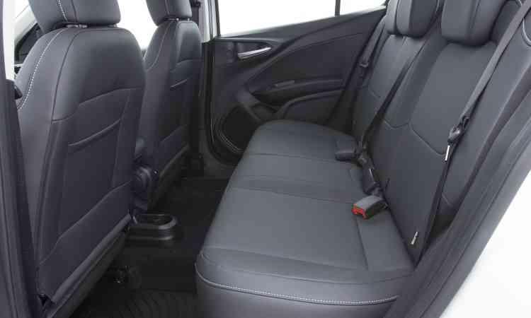 Para conseguir bom espaço para os passageiros, assentos do Cronos ficaram muito curtos, comprometendo o conforto  - Fiat/Divulgação