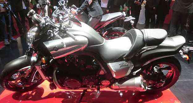 A Yamaha V-Max, com motor de quatro cilindros em V e 200cv, chega por R$ 99 mil - Teo Mascarenhas/Esp. EM
