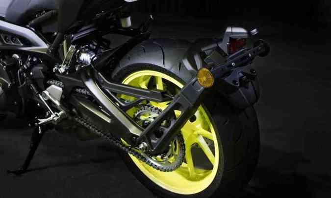 Os freios contam com sistema ABS(foto: Yamaha/Divulgação)