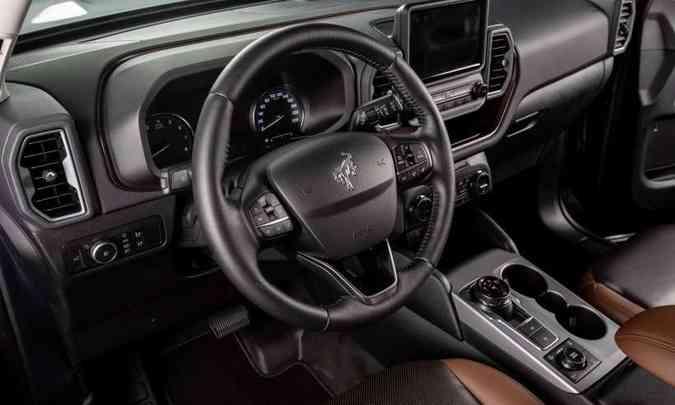 O modelo é bem equipado e traz acabamento de boa qualidade, além de ter comandos bem posicionados(foto: Ford/Divulgação)