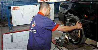 Manter a direção e suspensão alinhadas também contribui para diminuir o consumo - Juarez Rodrgiues/EM/D.A Press - 14/6/07