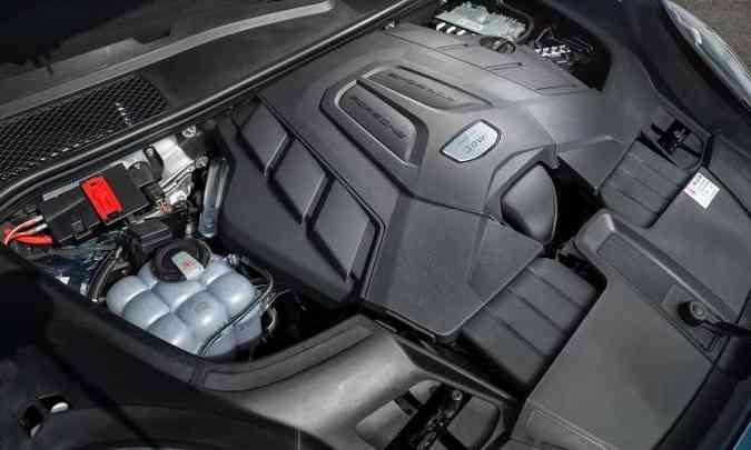 A versão de entrada é equipada com um motor V6 de 340cv de potência e 45,9kgfm de torque(foto: Enio Greco/EM/D.A Press)
