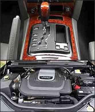 Câmbio automático permite mudanças manuais e reduzida é engatada por alavanca, no console central. Motor V8 Hemi responde bem