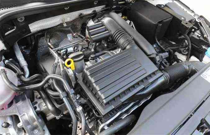 Motor 1.4 turbo tem ótimo desempenho com baixo consumo na cidade e estrada(foto: Motor 1.4 turbo tem ótimo desempenho com baixo consumo na cidade e estrada)