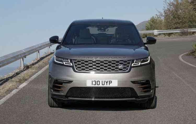 São dois motores disponíveis, um 3.0 V6 e um 2.0 - Land Rover / Divulgação