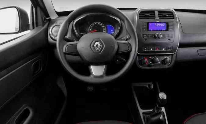Versão intermediária Zen vem com vidros elétricos dianteiros e rádio, mas falta conta-giros(foto: Renault/Divulgação)