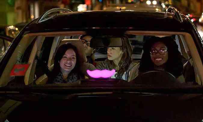 Bigode rosa identifica carro do Lyft(foto: Lyft/Divulgação)