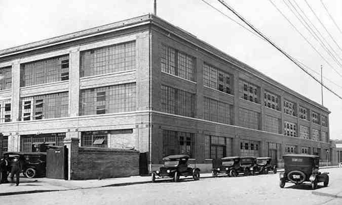 Sede própria foi inaugurada em 1921 no bairro do Bom Retiro, em edifício nos moldes da sede da empresa em Detroit(foto: Ford/Divulgação)
