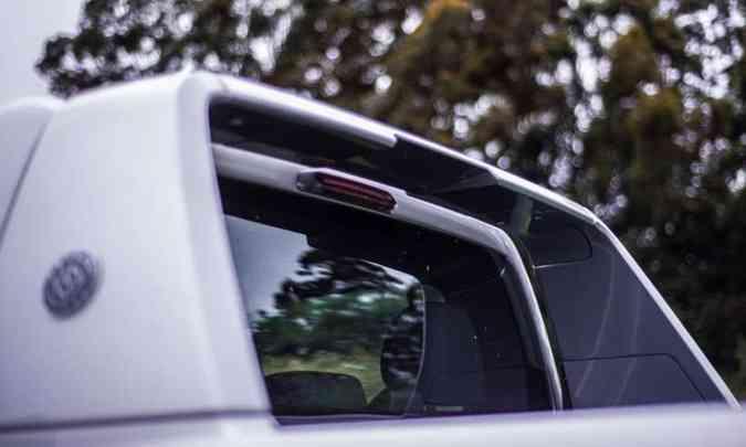 Versão Extreme tem santantônio estilizado, mas vidro traseiro não tem janela e nem grade de proteção(foto: Fotos: Jorge Lopes/EM/D.A Press)