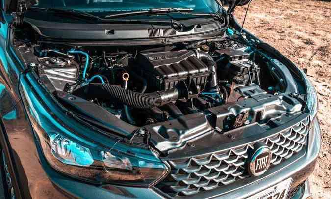 O motor 1.8 E.torQ proporciona desempenho apenas satisfatório, com consumo de combustível elevado(foto: Jorge Lopes/EM/D.A Press)