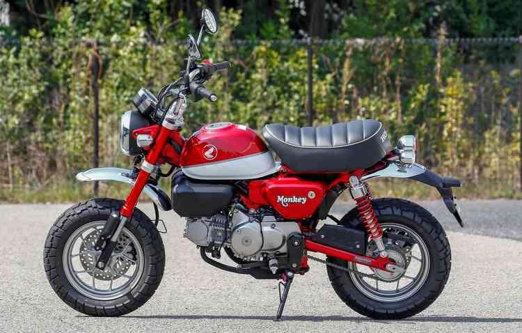 Honda Monkey teve seu novo design inspirado na MSX de onde herdou o motor 125 cc de 9,5 cavalos. Foto: Honda / Divulgação -