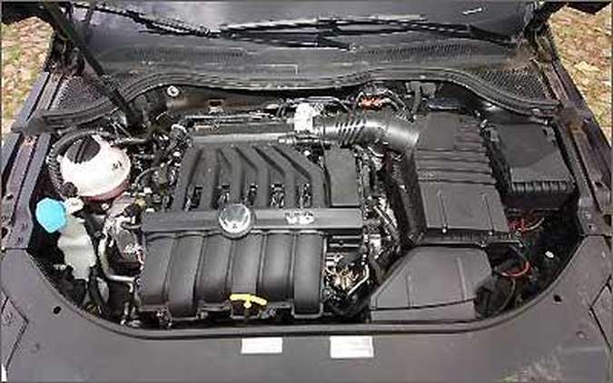 O motor V6 3.6 gera bons 300 cv de potência e 35,6 kgfm de torque, despejado nas quatro rodas