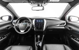 Interior é uma mistura entre o clássico e o jovial. Foto: Toyota / Divulgação