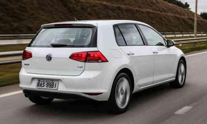 Logotipo TSI na tampa traseira e rodas aro 16 identificam versão externamente(foto: Volkswagen/Divulgação)