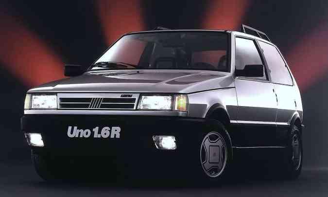 Versão esportiva 1.6R com a frente baixa, reestilização que estreou na linha 1991(foto: Fiat/Divulgação)