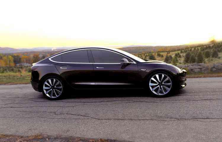 Só é possível obter o automóvel através de reserva - Tesla / Divulgação