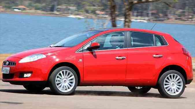 Linha 2013 do hatch médio da Fiat recebe melhorias no câmbio automatizado, mas ainda apresenta incômodos ao motorista(foto: Fotos: Marlos Ney Vidal/EM/D.A PRESS)