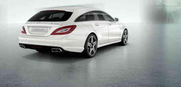 O compartimento de bagagem possui assoalho em madeira, com acabamento semelhante ao de iates de luxo - Mercedes-Benz/divulgacao