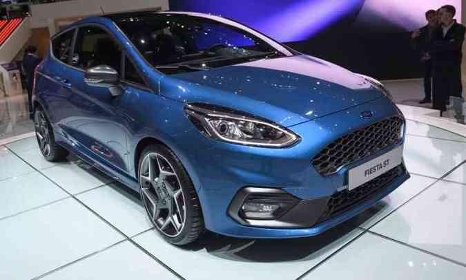 A Ford apresenta o Fiesta ST, versão nervosa do hatch compacto, com motor Ecoboost de 200cv e sistema que possibilita três modos de condução(foto: Fabrice Coffrini/AFP)