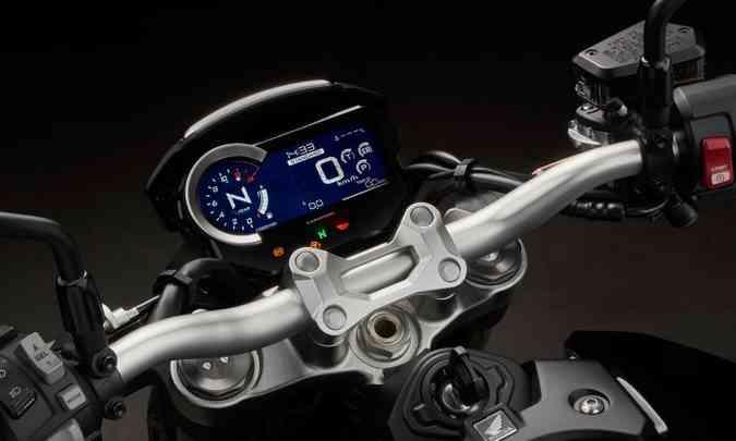 O painel digital indica as funções do motor e pode ser personalizado(foto: Caio Mattos/Honda/Divulgação)
