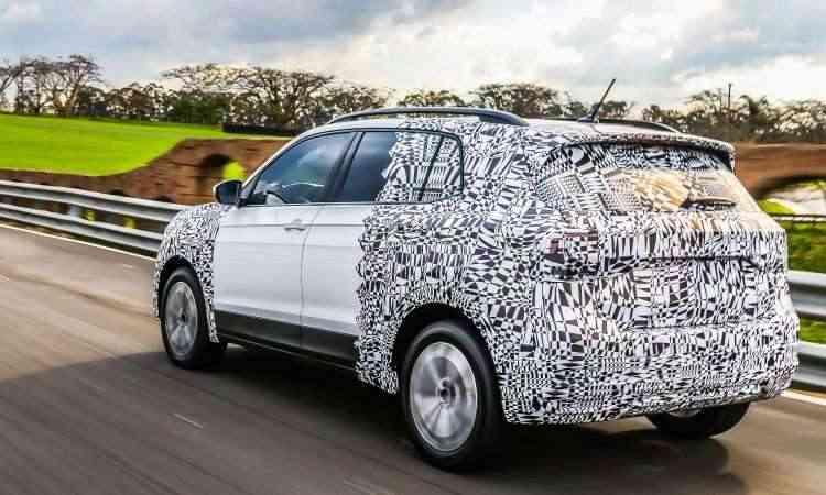 O porta-malas tem 373 litros, mas pode chegar a 420 litros - Volkswagen/Divulgação