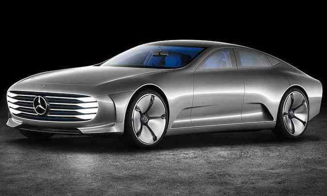 Com as transformações aerodinâmicas, o cupê tem linhas clássicas, com um longo capô, baixa estatura e teto arqueado. Na lateral, destacam-se as grandes rodas e as janelas muito baixas(foto: Mercedes-Benz/Divulgação)