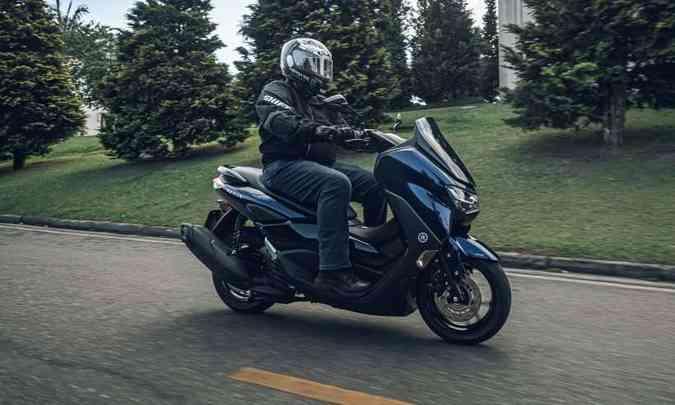A segunda geração do scooter Yamaha NMAX 160 foi totalmente modernizada, tanto na estética quanto na mecânica(foto: Stephan Solon/Yamaha/Divulgação)