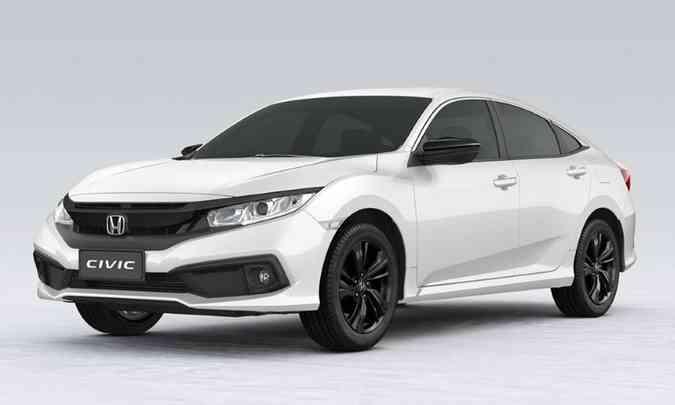 Versão Sport ganhou grade e retrovisores em preto brilhante(foto: Honda/Divulgação)