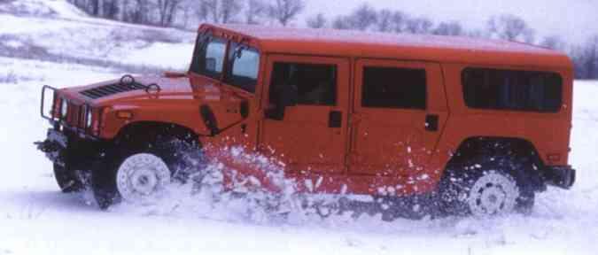 Hummer H1 com carroceria SUV(foto: Reprodução)