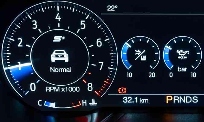 Motores modernos não precisam ser aquecidos, mas é bom esperar estabilizar em 1.000rpm na marcha lenta(foto: Pedro Bicudo/Ford/Divulgação)