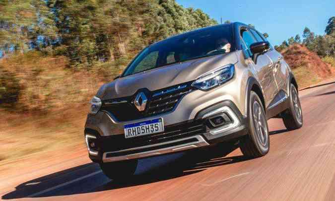 O Renault Captur 2022 trouxe poucas alterações no visual, que se resumem a detalhes na grade dianteira(foto: Jorge Lopes/EM/D.A Press)