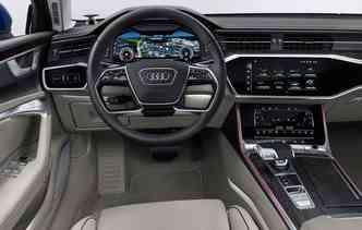 Interior do novo Audi conta com três telas. Foto: Audi / Divulgação