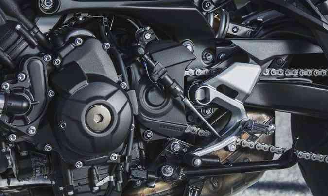 O motor de três cilindros em linha entrega 8,92kgfm de torque(foto: Sthephan Solon/Yamaha/Divulgação)