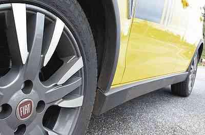 Roda de liga leve aro 16 dá ar esportivo ao Palio e pneu de perfil baixo limita conforto - Marlos Ney Vidal/EM/D.A Press