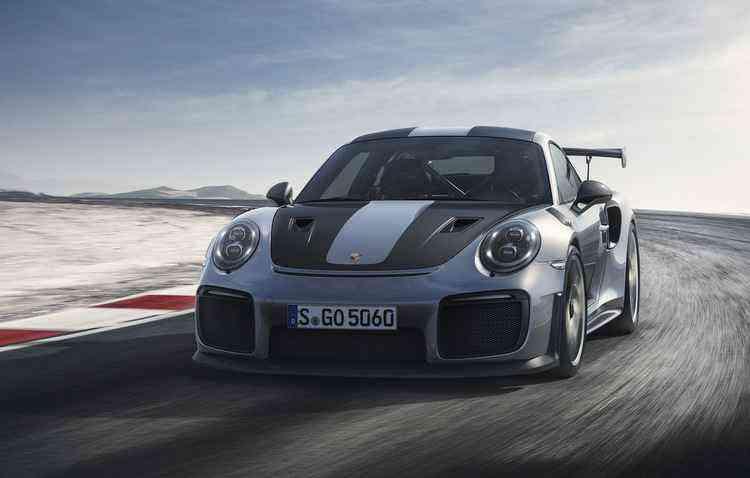 GT2 vai de 0 a 100 km/h em meros 2,8 segundos - Porsche / Divulgação