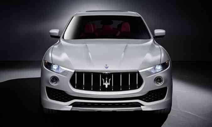 Faróis de leds e a marca do tridente emolduram o visual frontal(foto: Maserati/Divulgação)